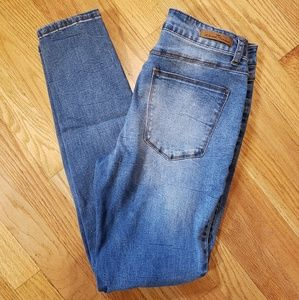 Jrs Almost Famous skinny jeans sz 7